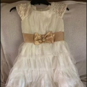 Other - Girls size 12 fancy cream elegant party dress